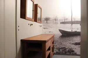 Maatwerk teakhouten badkamer meubelrenovatie
